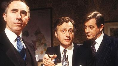 Jistě, pane ministře - Humphrey, James a Bernard:-)